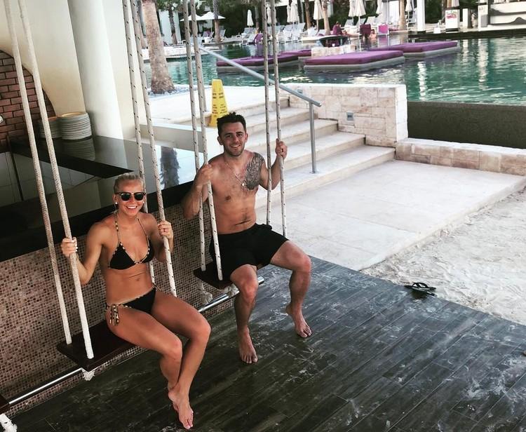 Ник Бейлен с супругой Шелби на карантине не набрали лишних кило. Фото: https://www.instagram.com/p/B_NpaJSAHw3/