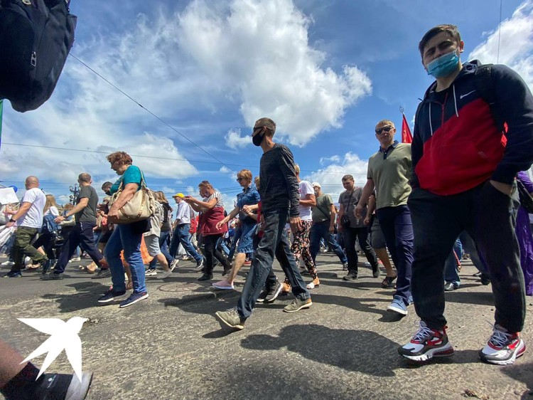 Участники выходят на митинги и шествия уже пятую неделю подряд
