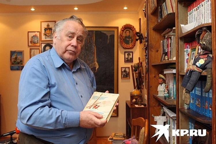 За полвека Владислав Петрович написал сотни произведений, которые читают в разных странах
