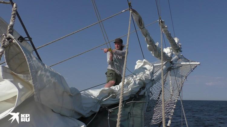 Чтобы справиться с кораблем и стихией, нужна отличная физическая форма