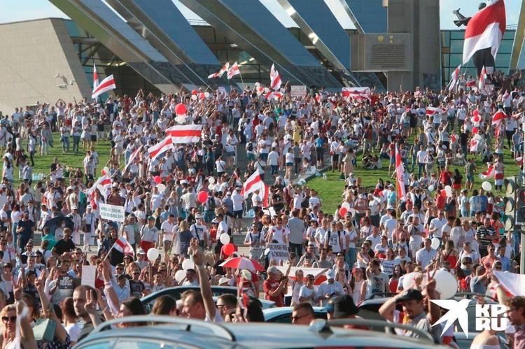 Шествие от Стелы к площади Независимости