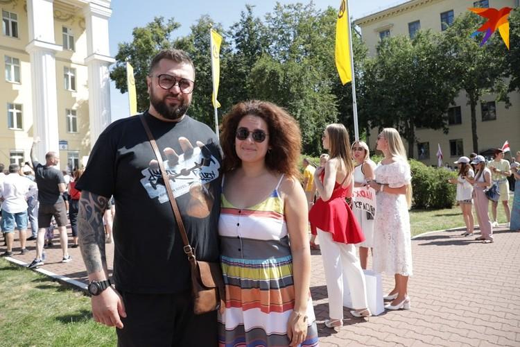 """Ведущие программы """"Наше утро"""" на ОНТ Дмитрий Шунин и Анна Шалютина написали заявления об увольнении."""