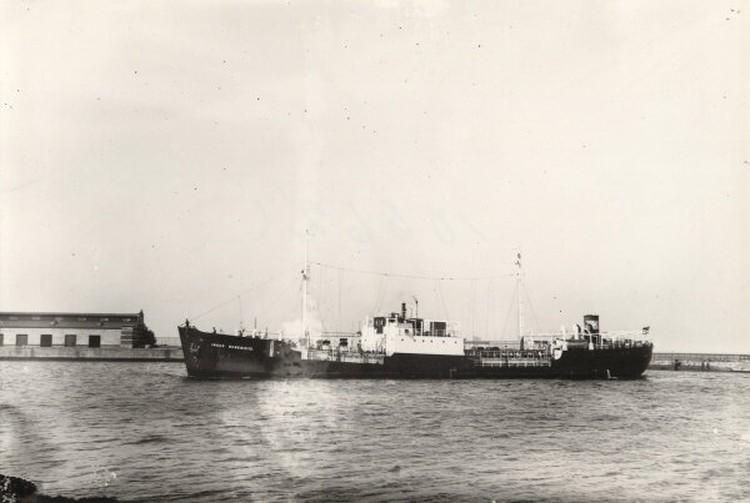 Так выглядел танкер Т-12, построенные в 1938 году. Фото: ЦПИ РГО