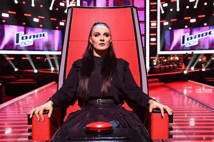 Самым главным откровением третьего сезона шоу «Голос.60+» стало приглашение Елены Ваенги. Фото: Максим ЛИ