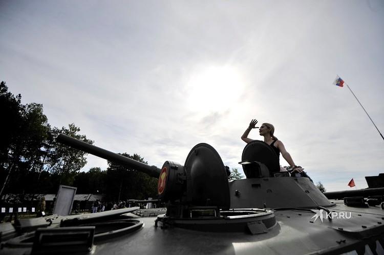 Количество вооружений, военной и специальной техники, задействованной для показа, по сравнению с прошлым годом, увеличилось аж на 30 процентов