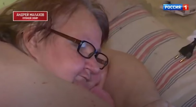"""Любовь Нурдинова и сама пыталась покончить с собой. Или не пыталась? Фото: кадр из программы """"Прямой эфир"""""""