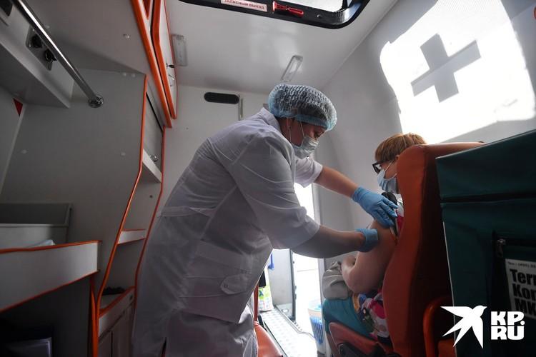 В коронавирусном году грипп никому совсем не нужен. Поэтому при первой же возможности – уколитесь.