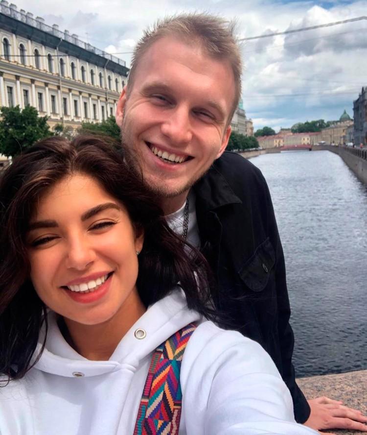 Венчаться молодые планируют в Казанском соборе.