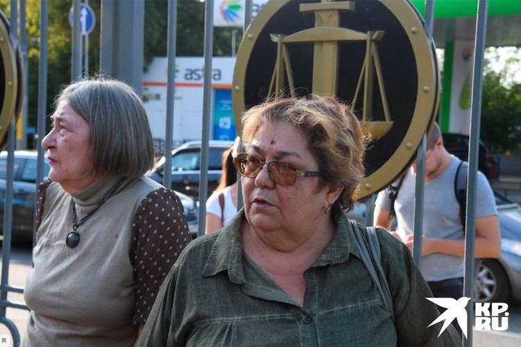 Гражданская жена погибшего Сергея Захарова Ирина Стерхова