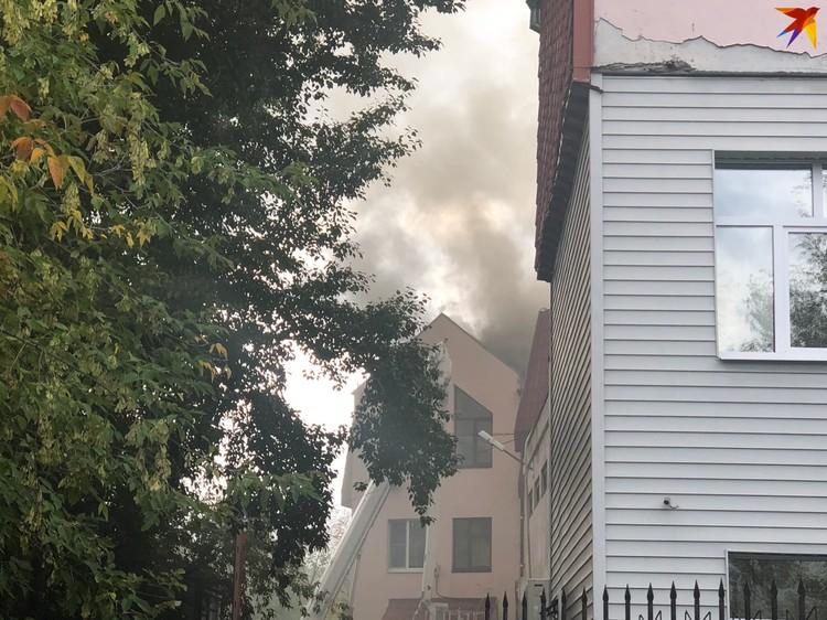Из здания эвакуировались пять человек.