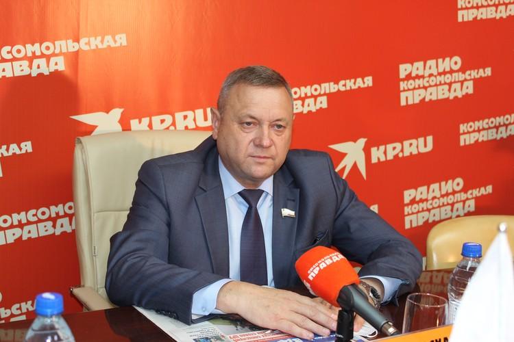 Министр природных ресурсов и экологии Саратовской области Константин Доронин