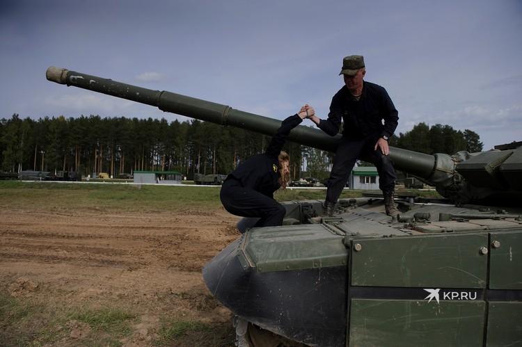 Для танкиста рост не главное, тут важна голова и мышцы.
