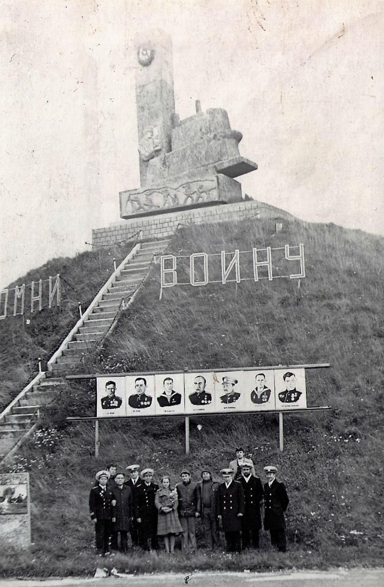 У жителей Лиинахамари к памятнику героям-подводникам отношение особенное. Фото: vk.com/liinahamari_official