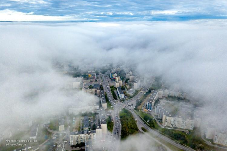Мурманск укутал туман. Фото: Игорь Громов