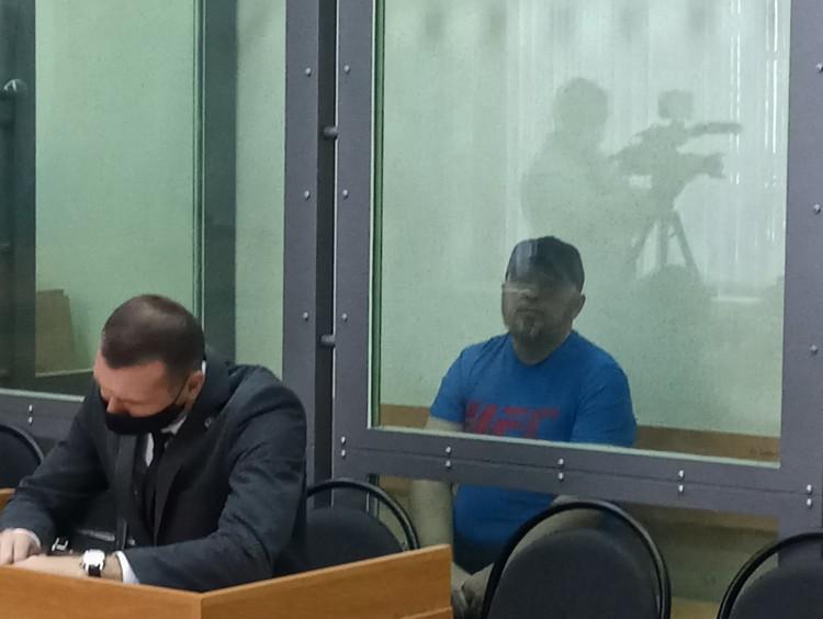 На следствии Антон Проскурин вину признавал, но на суде показания давать пока отказывается