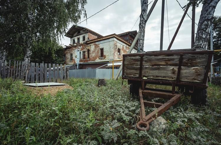 Дом, в котором гостил Федор Шаляпин и Иван Шишкин сейчас выглядит довольно плачевно. Фото: Алексей Авдейчев