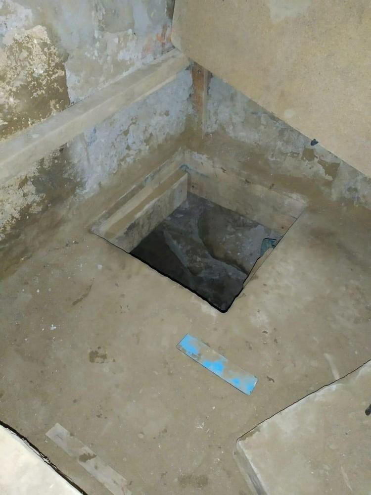 Отсюда начинался тоннель