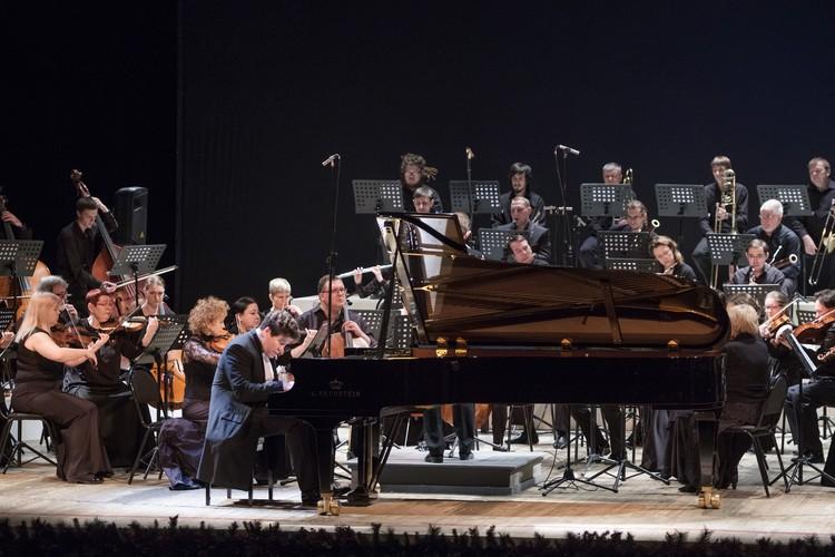 В каждом концерте Денис Мацуев поражает своеобразным видением исполняемого произведения. Он выносит на суд публики только те сочинения, в которых можно сказать что-то свое и важное.