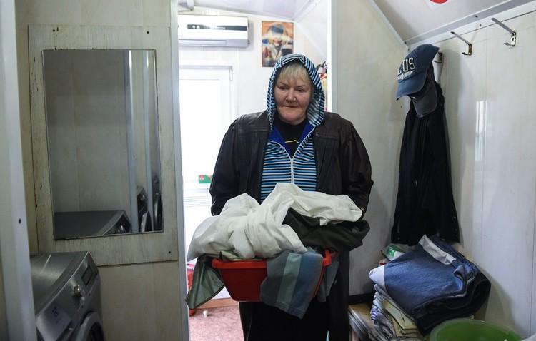 В «Ангаре» работает прачечная, где бездомные могут постирать вещи ежедневно с 10 до 18 часов. Автор фото: Предоставлено православной службой помощи «Милосердие» https://miloserdie.help/