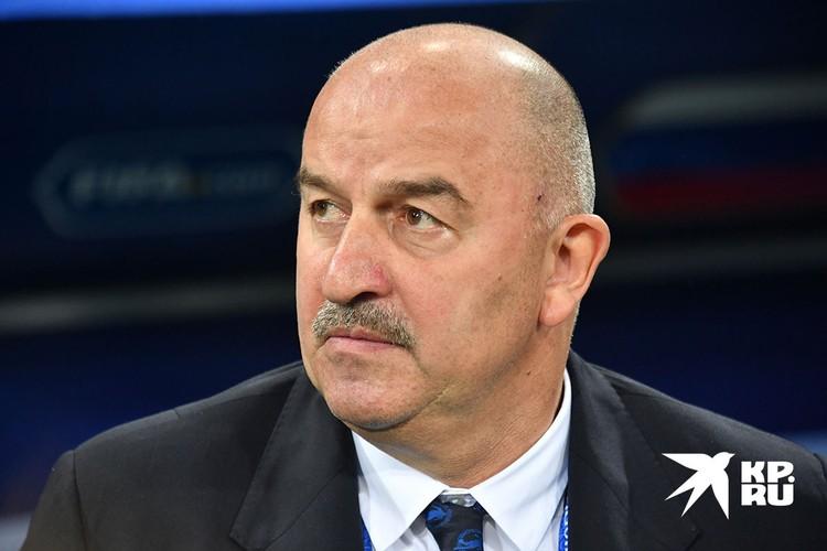 Тренер национальной сборной по футболу Станислав Черчесов.