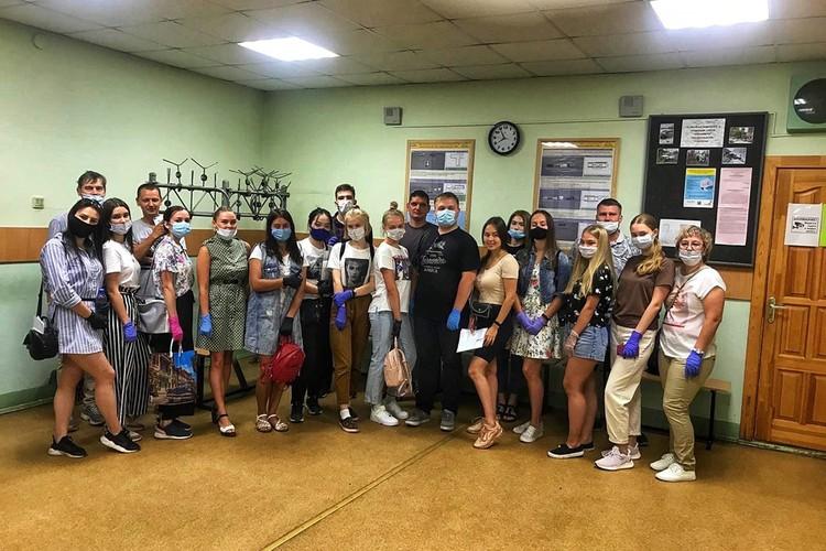 На занятиях учащиеся соблюдают масочный режим. Фото: автошкола «Университет»