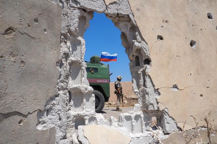 Во время гуманитарной акции, организованной российскими военными в провинции Дерьа, Сирия. Фото: Андрей Грязнов/ТАСС