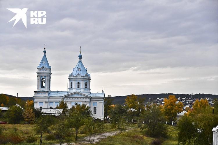 Церковь Успения Пресвятой Богородицы в г. Кяхта. Построена в 1884—1888 годах.