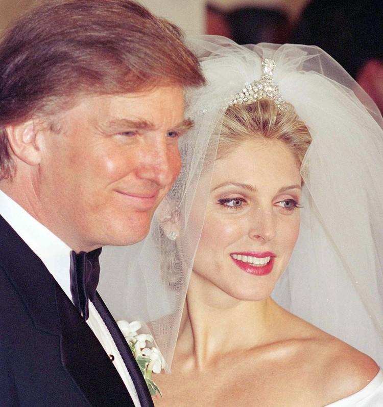 Дональд Трамп женился на Марле Мейплз в 1993 году.