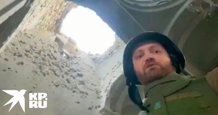Удивительно, но очередная ракета или авиабомба попала … ровно в то же самое место, серьезно расширив дыру в куполе!