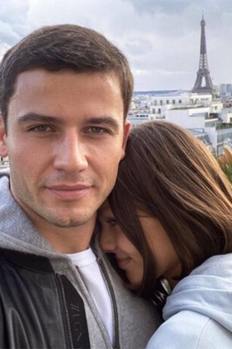 Алеся и Георгий познакомились в ресторане. Фото: Инстаграм.