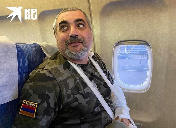 Журналистов из Еревана могли вывезти спецбортом только по личному распоряжению премьера Михаила Мишустина.