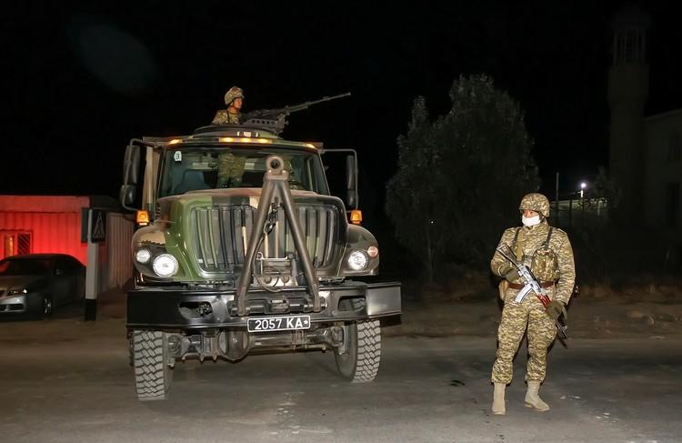 Военная техника в полной боевой готовности.
