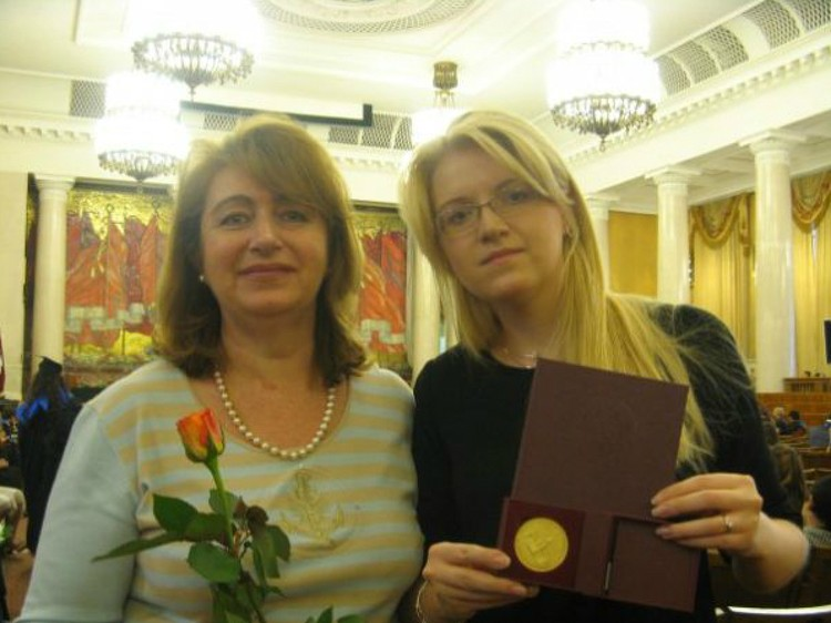 Старшую дочь Алевтину артисту родила стюардесса Нина Вокрош. Фото: Личный архив