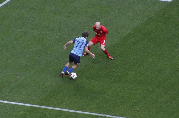 Зурико не раз рвался в атаку, но результата нет.
