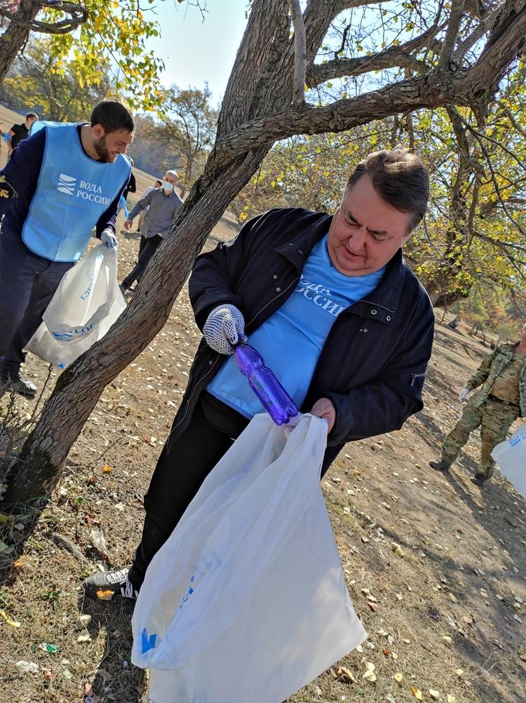 Председатель правительства Республики Ингушетия Владимир Сластенин на уборке реки Ассы