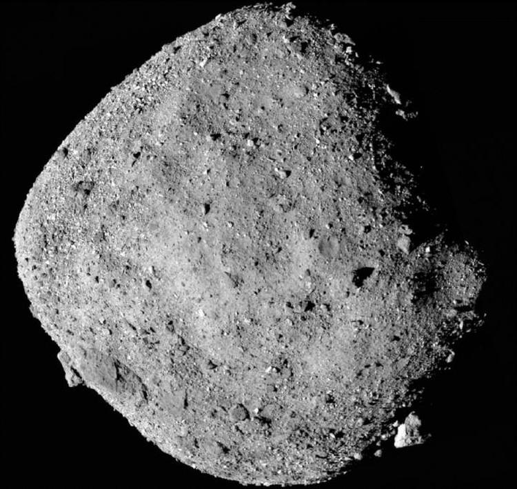 Астероид Бенну похож на гигантский куб.