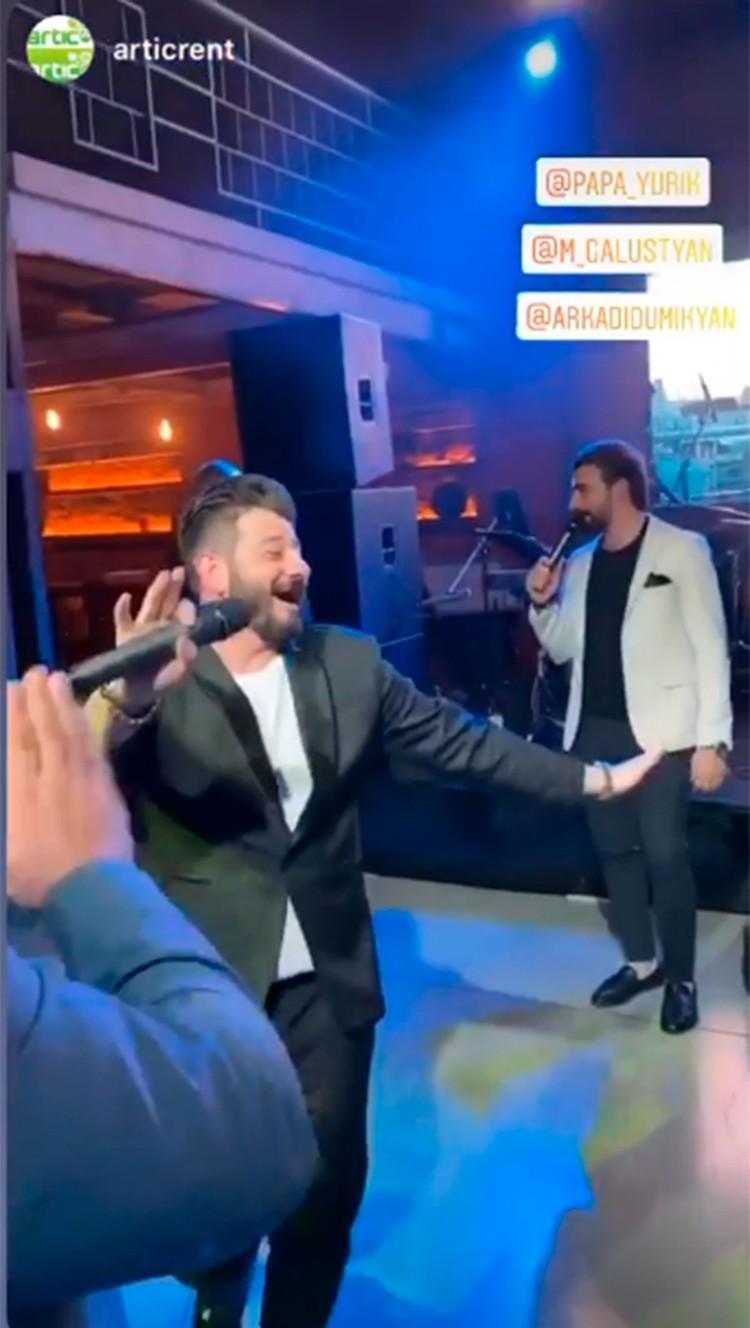 Галустян танцует на дне рождения Шахбазяна