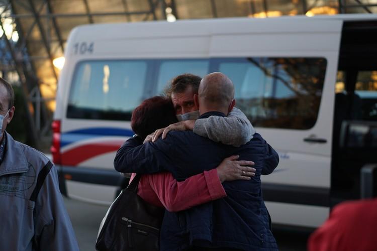 22 октября моряки прилетели в симферопольский аэропорт. Фото: пресс-служба главы РК