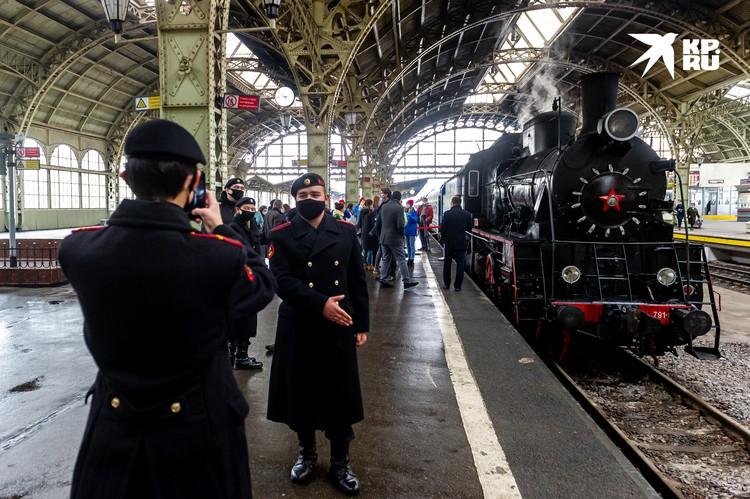 «Поезд Победы» пробудет в Петербурге до 27 октября, а затем отправится дальше.