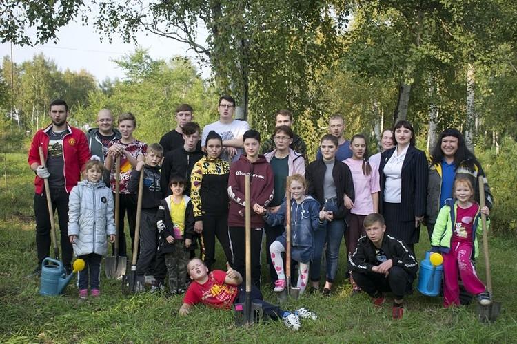 Эти дети, когда вырастут, наверняка будут заботиться о природе родного края. Фото: Комсомольский НПЗ