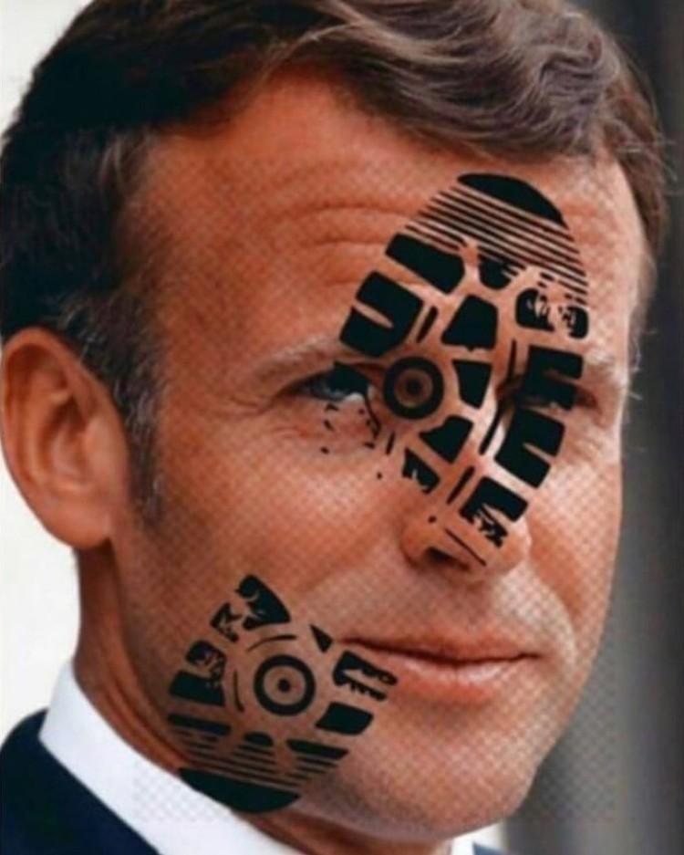 Свой пост Нурмагомедов снабдил оскорбительным фото президента Франции