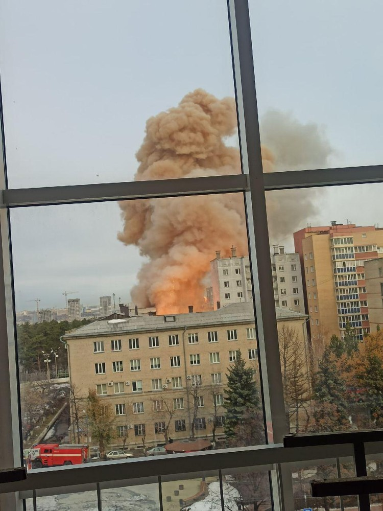 Мощный взрыв прогремел в начале 12-ти. Фото: читатель КП