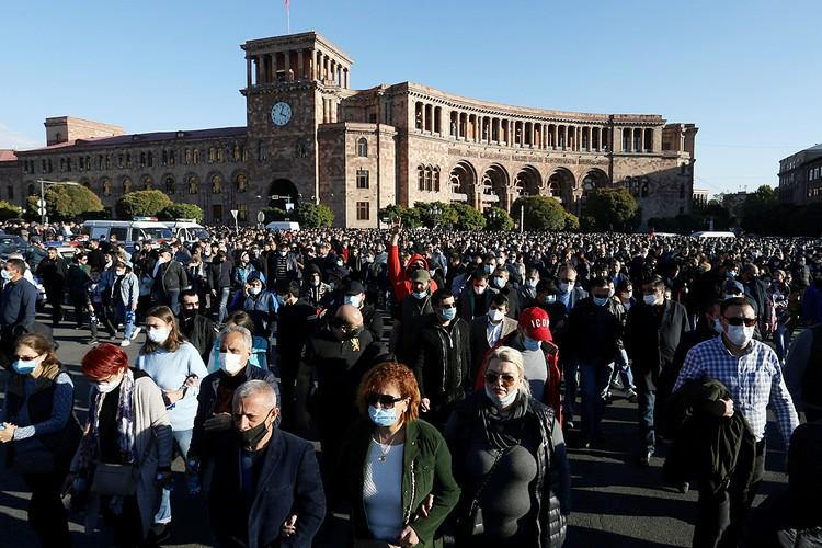 Ереван охватили протесты