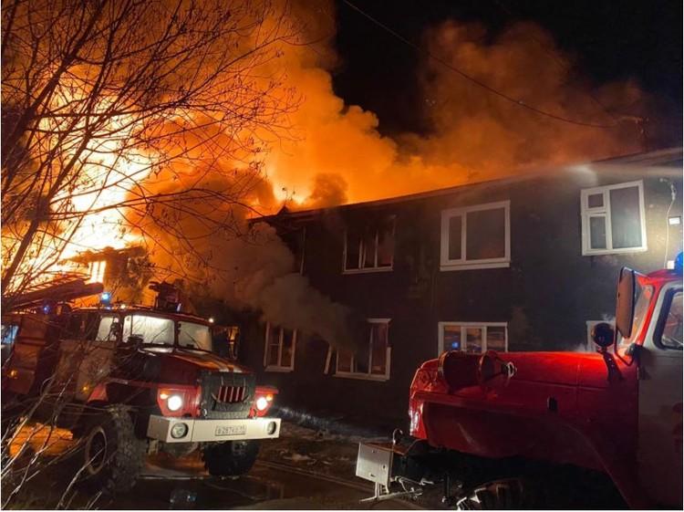 По предварительным данным, причиной возгорания стали недостатки в конструкции и электрооборудования. Фото: МЧС по Коми
