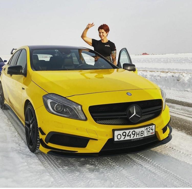 """Снегом """"солнечный"""" Магадан ее не испугает. Фото: инстаграм Оксана ЯКОВЛЕВА."""