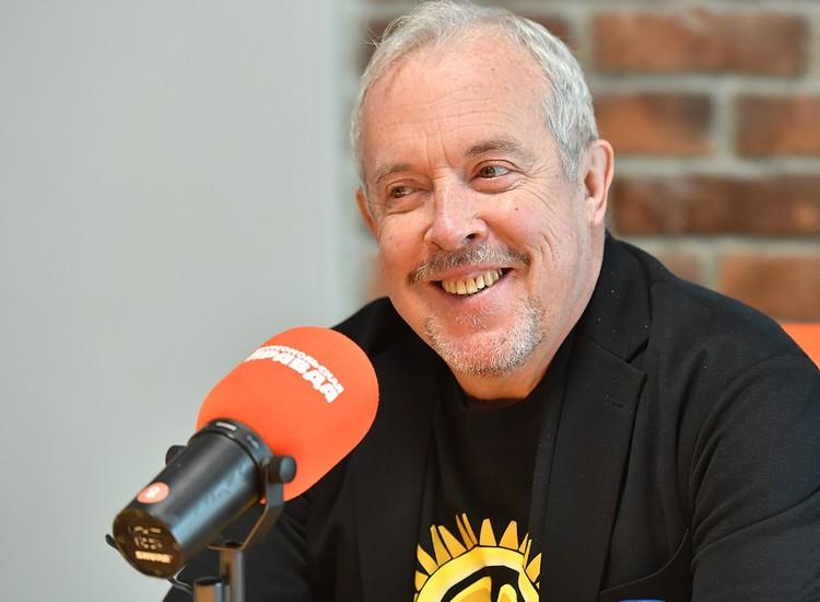 """Андрей Макаревич в студии Радио """"Комсомольская правда""""."""