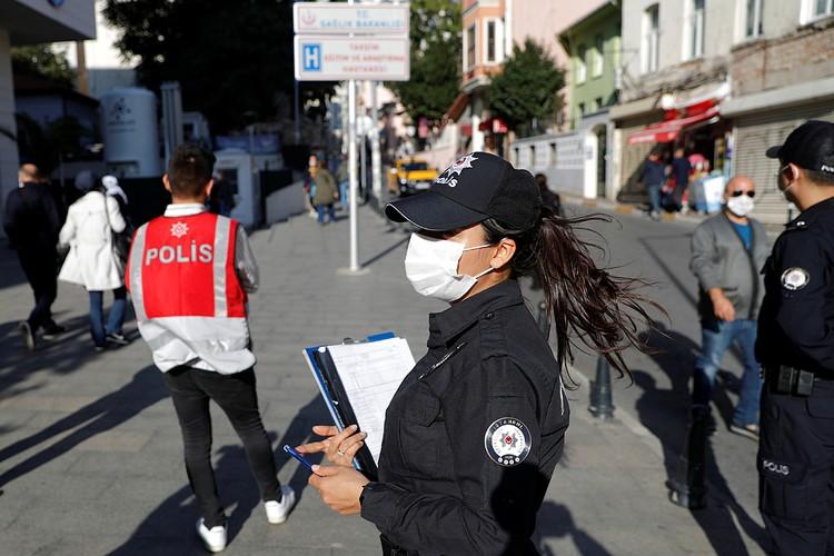 В Стамбуле ввесли еще и свои дополнительные меры, вдобавок к общим