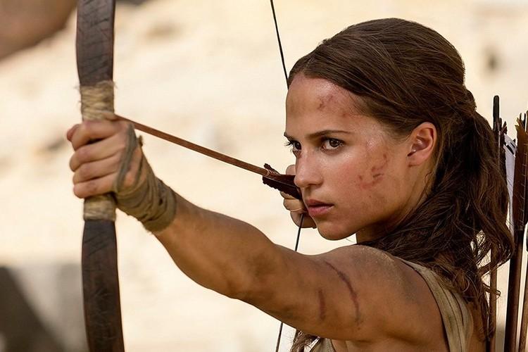"""Звезда """"Лары Крофт"""" Алисия Викандер чаще всех соглашалась на фильмы, в которых нужно обнажаться. Фото: кадр фильма."""