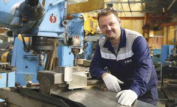 До ГАЗа Андрей Напалкин много где поработал. В том числе водителем во Франции. Автор фото: Артём СЕМЁНОВ