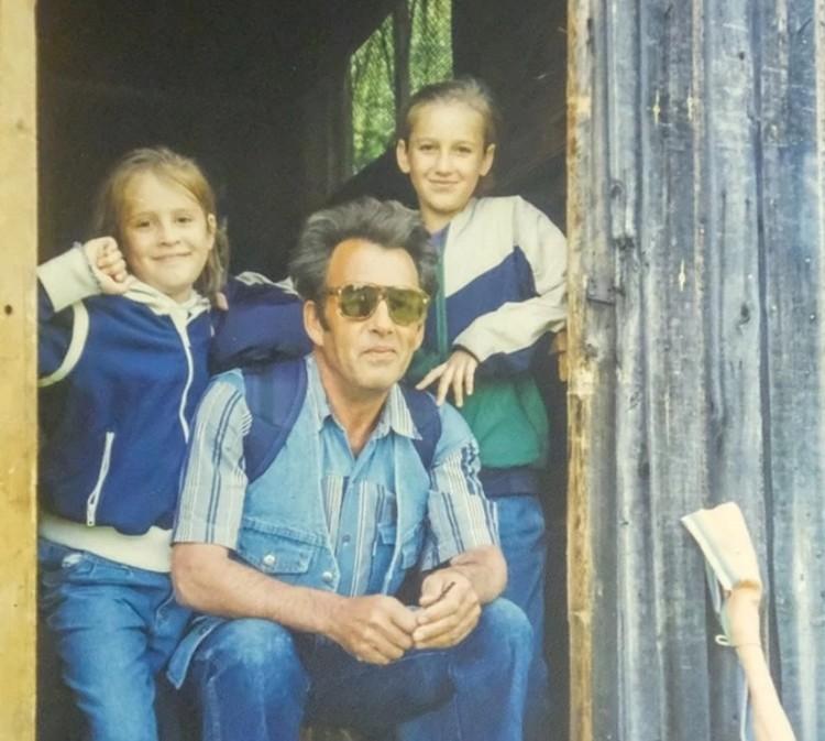 Анна Бузова, Ольга и их дедушка